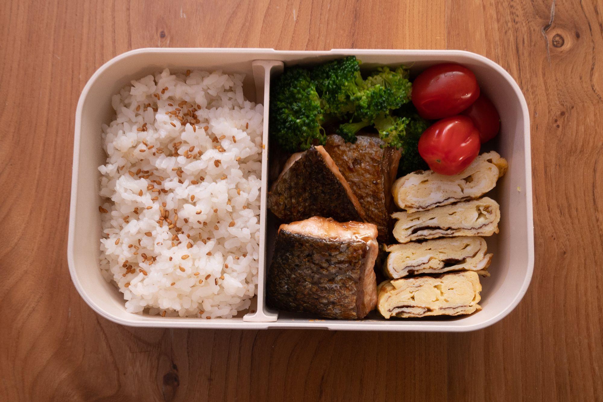 Today's salmon teriyaki and tamagoyaki