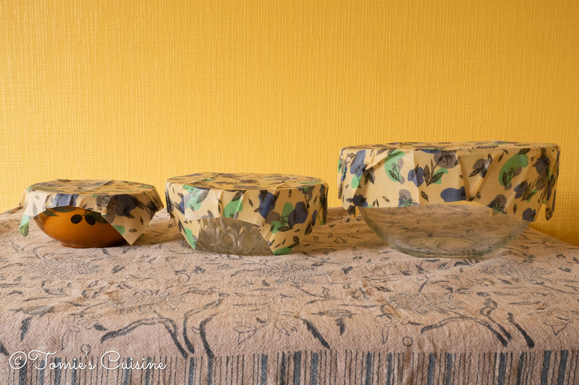 Beeswax wraps adhesion on the three bowls