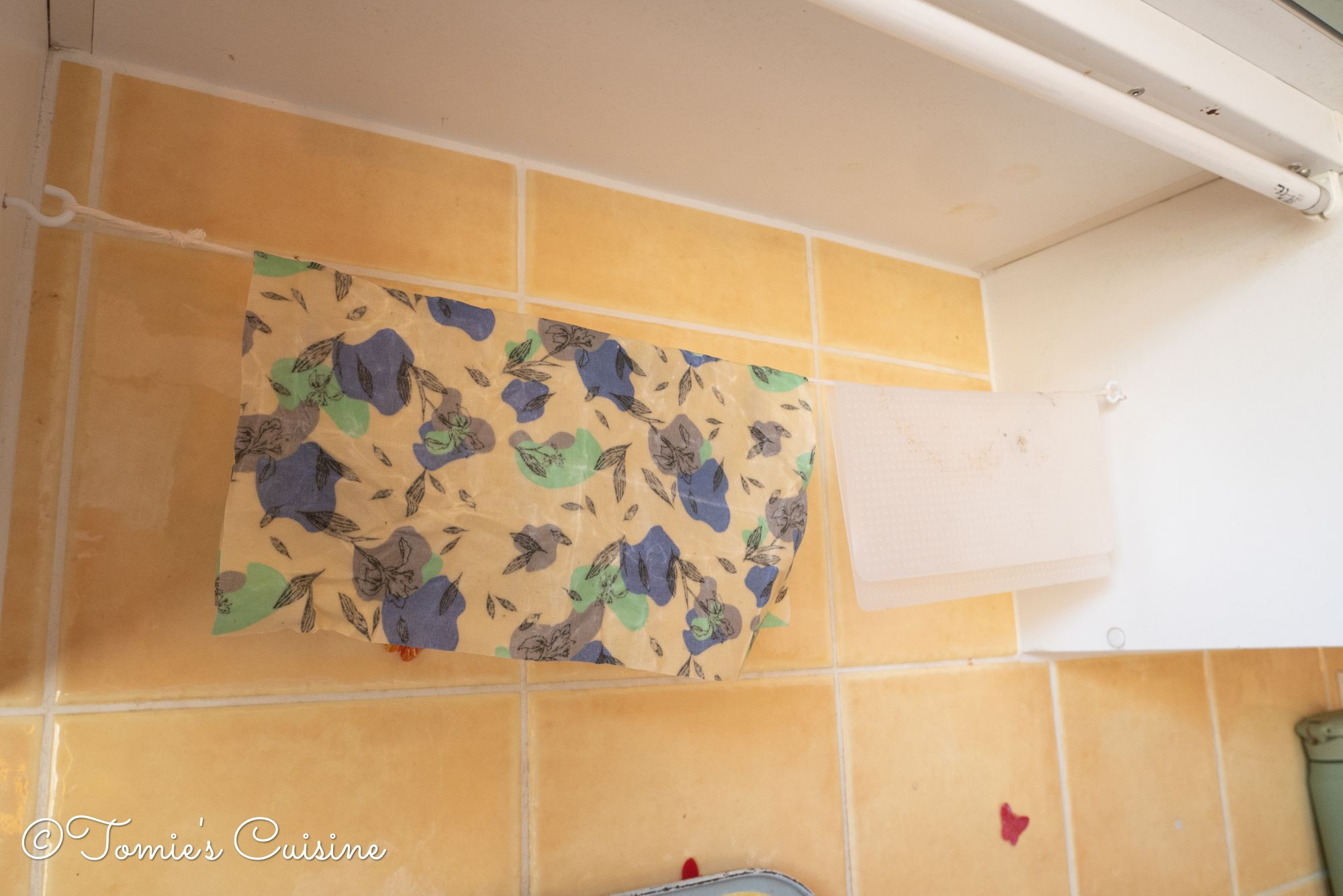 New hanging rail for beeswax wrap and silicone wrap!
