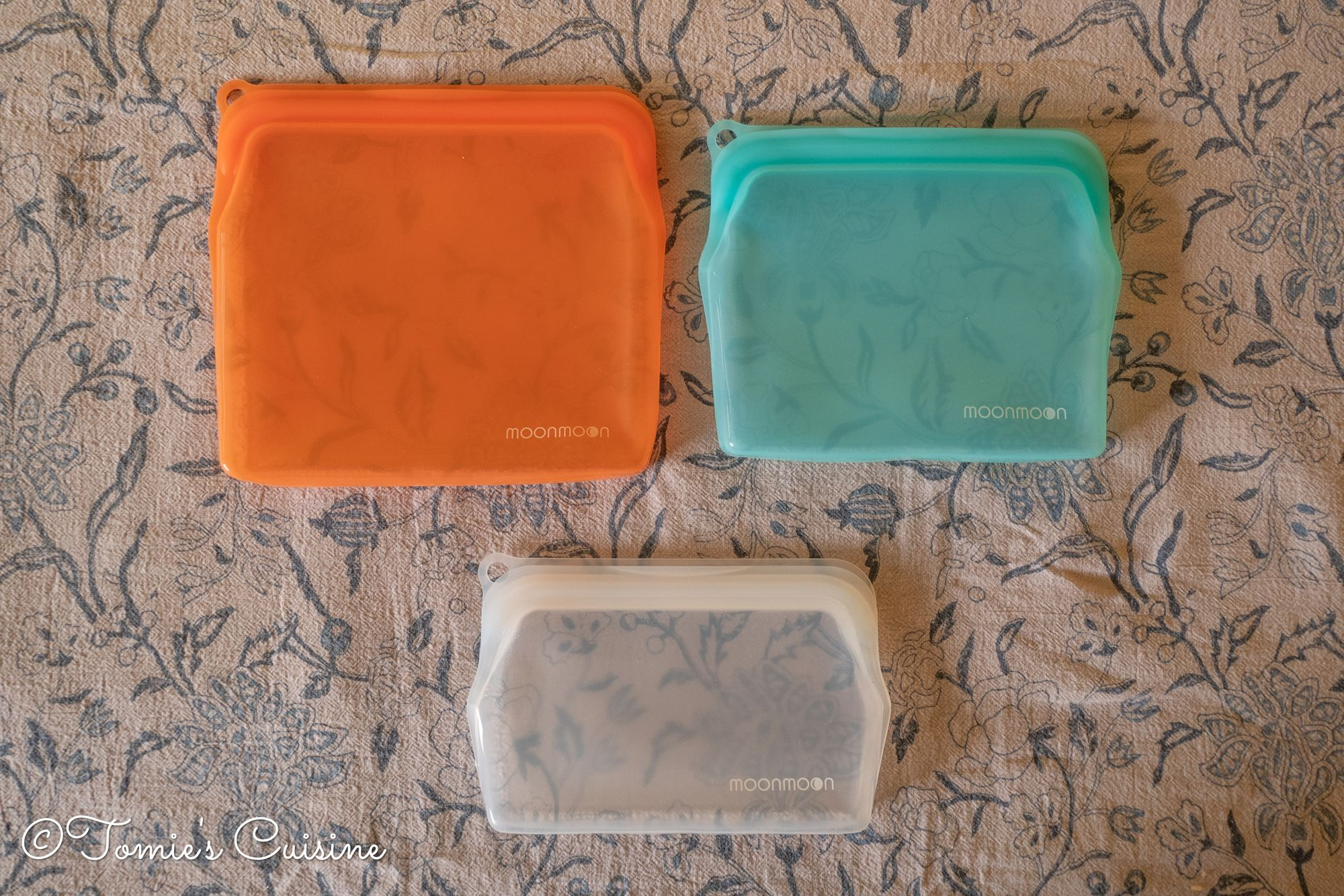 Moonmoon reusable silicone food bags colour options